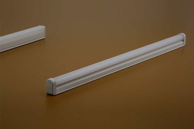T5 LED Tube Light (Plastic) 18 W